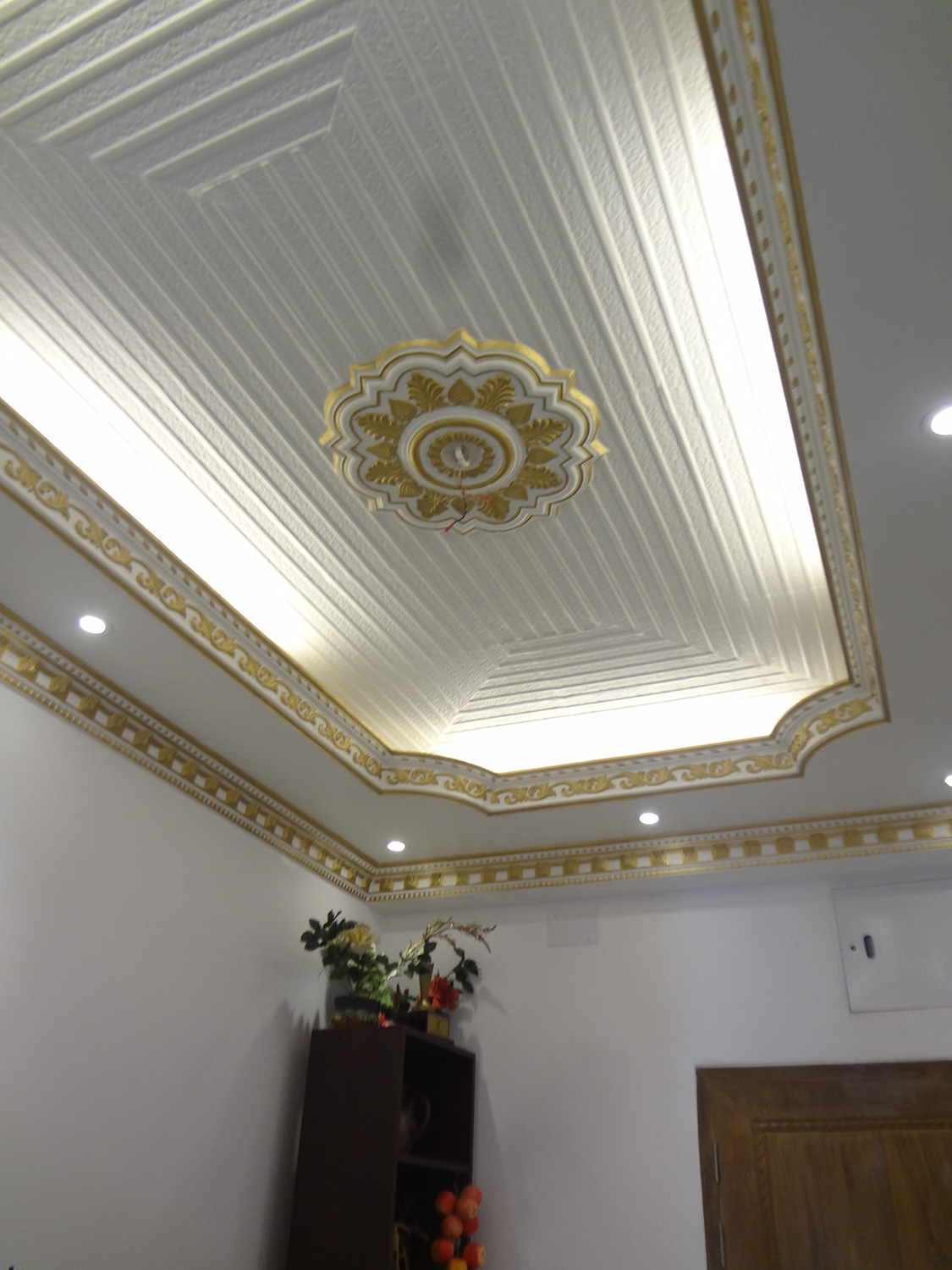 Hidden Lighting Decorative Ceiling